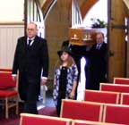 Chloe leads granddad's funeral with Bill